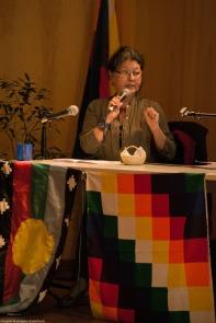 Dra. Rosa Giove dando su ponencia en el VII Foro